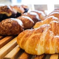 breads on oak pastries