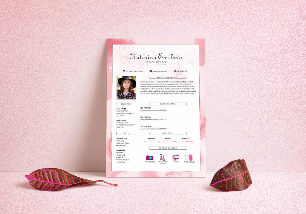 Free Resume (CV) Design Template For Fashion Designer PSD File