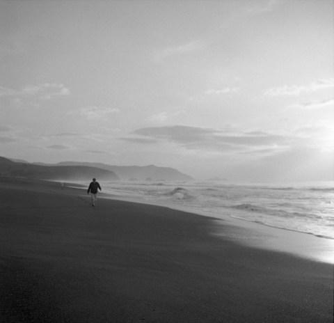 Pacifica, CA - Mamiya C330S - Kodak Tri-X - Ilfosol DDX -