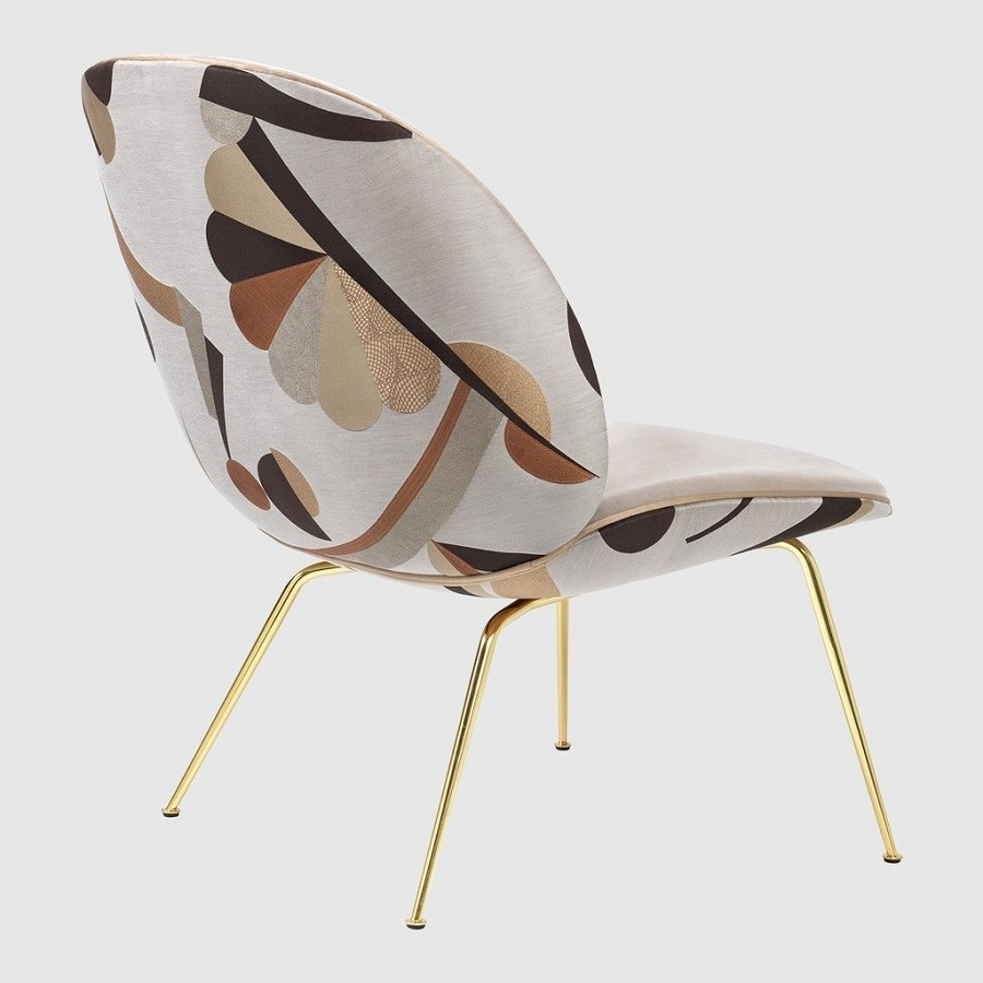Gubi Sessel Beetle Gubi Beetle Lounge Chair In Dedar Manifesto Futurista Velvet And Luce