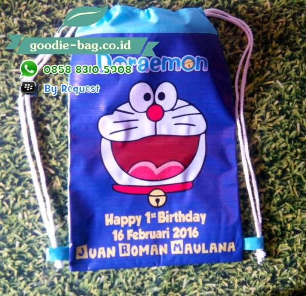 Tas Serut Gendong Ultah Doraemon
