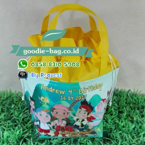 tas ulang tahun serut murah