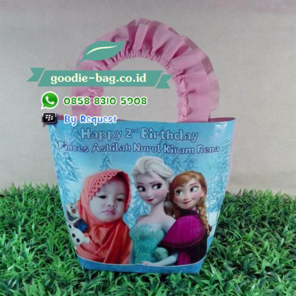 goodie bag ulang tahun frozen tali renda