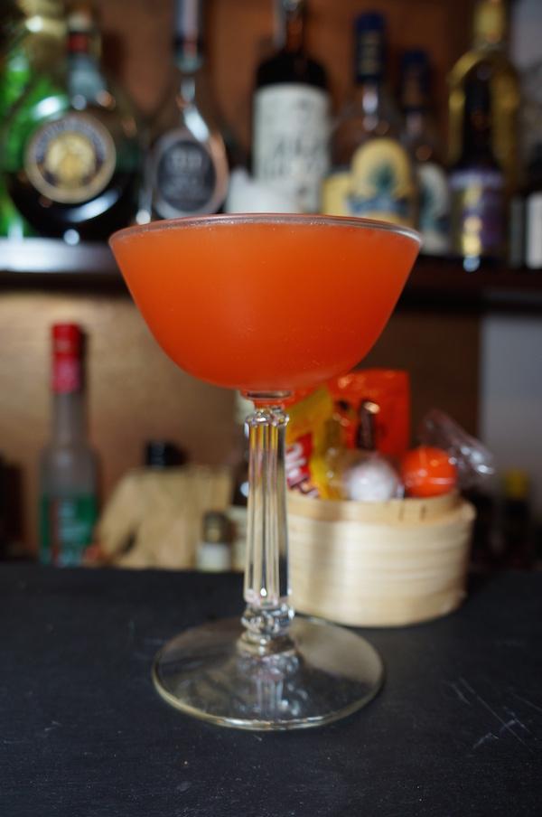 hallow night spritz cocktail