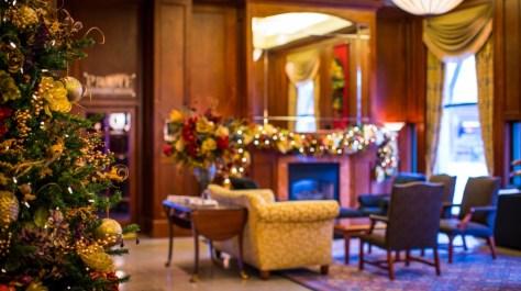 magnolia lobby christmas