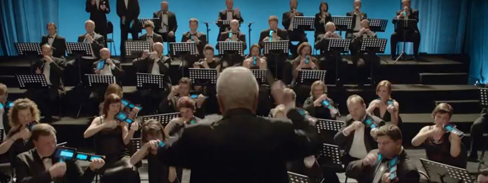 "Czech Orchestra Plays ""Carmen"" on Mobiles and Tablets"