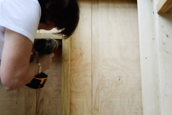 DIy playhouse farmhouse (22)