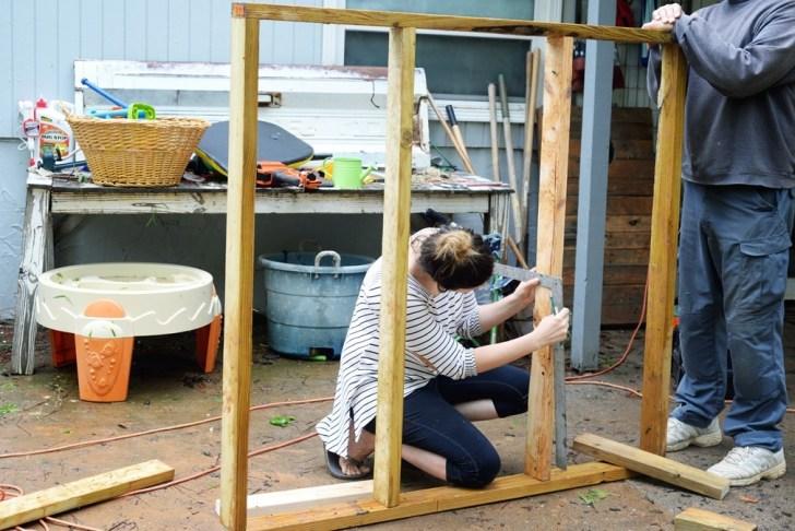 DIy playhouse farmhouse (4)