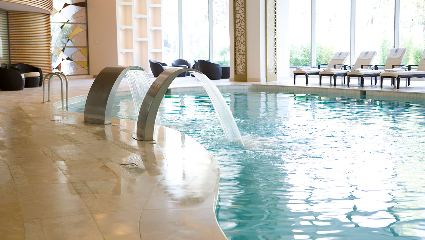 Jacuzzi With Swimming Pool The Different Types Of Pools In Spas Good Spa Guide
