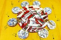 Tambourine craft: how to make a paper plate tambourine ...