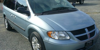 2006 Dodge Caravan  Almost New Brakes!