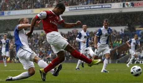 Walcott goal v Blackburn