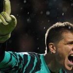 Szczesny to be 'offered' No 1 shirt after Almunia's departure