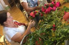 Więcej o: Piękne wianki z żywych kwiatów