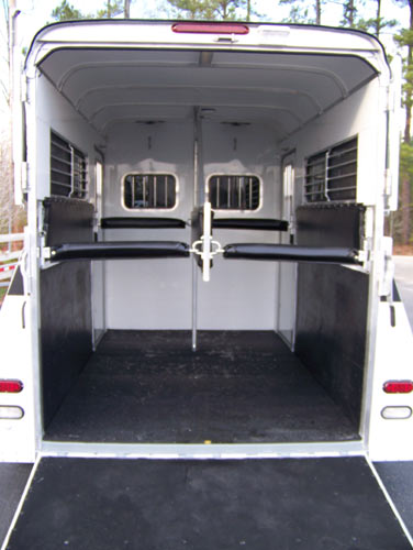 Cam Lights Gore Trailers - Two Horse Trailer With Dressing Room