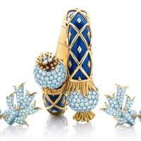 Scales Blue Spinel, Sapphire and Diamond Bracelet in 18k gold by Tiffany and Co.