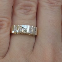 A Stunning Estate 1.00 Ct VS2/H Natural 10 Stone Diamond Anniversary 18k Yellow Gold Ring