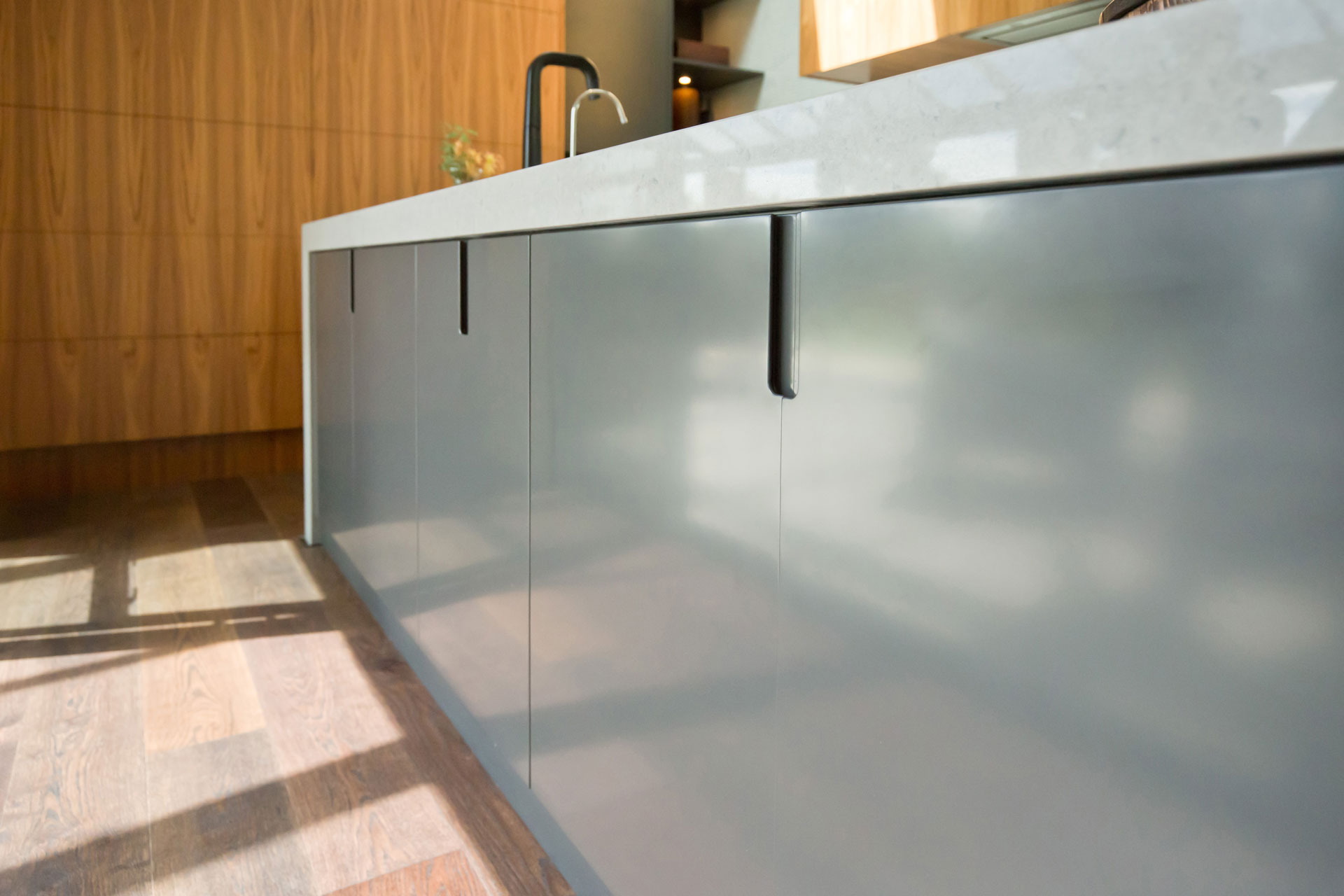 Glass Benchtops Benchtops Got It Made Kitchens Cabinetry Te Awamutu Waikato