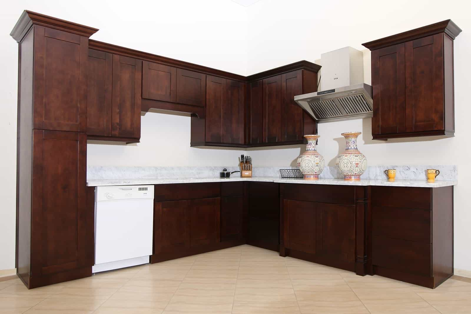 Contemporary Crown Molding For Kitchen Cabinets Shaker Cabinets With Crown Molding 24897 Furniture Ideas