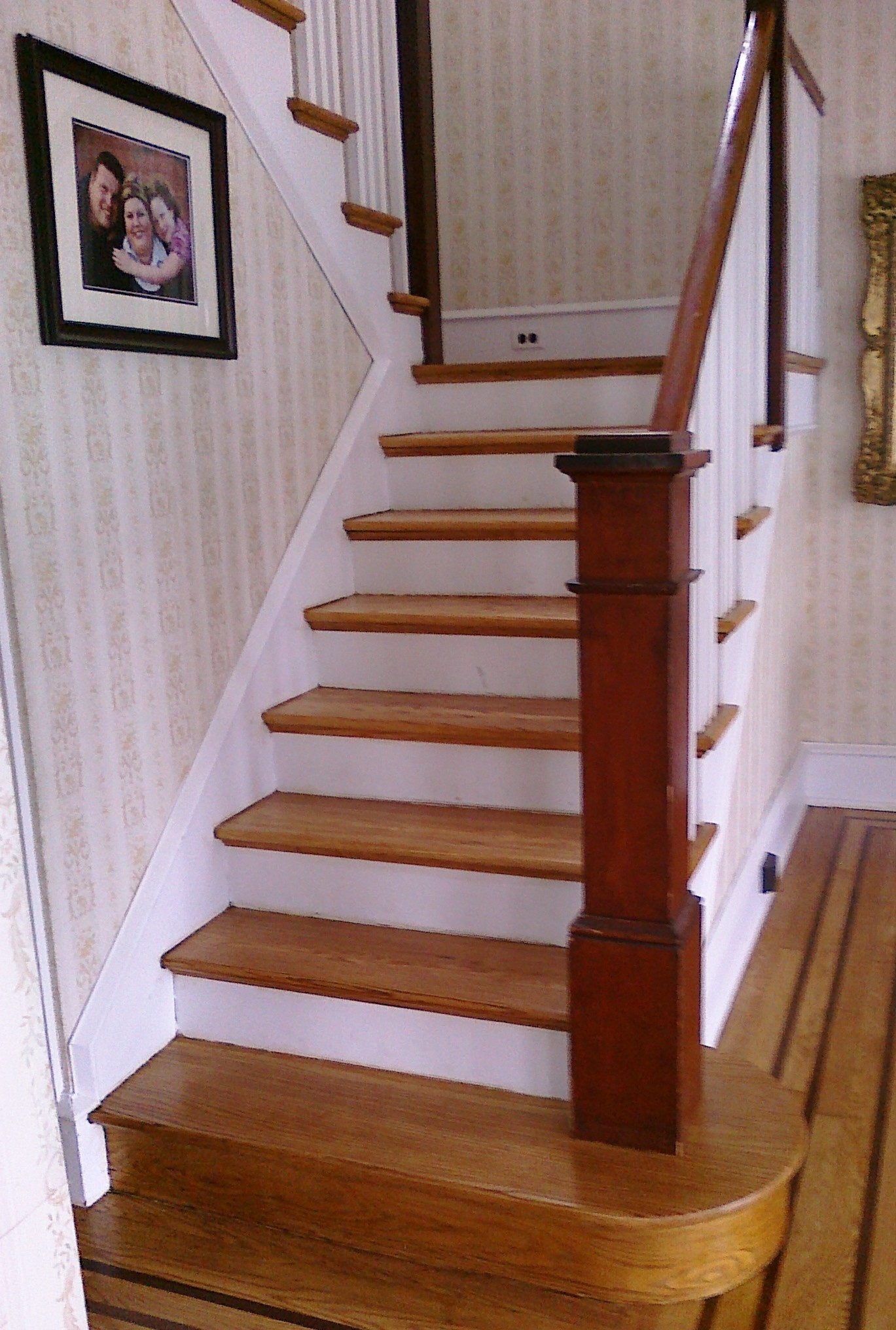 Wooden Staircase Pictures Top 15 Stair Treads For Wooden Stairs Stair Tread Rugs Ideas