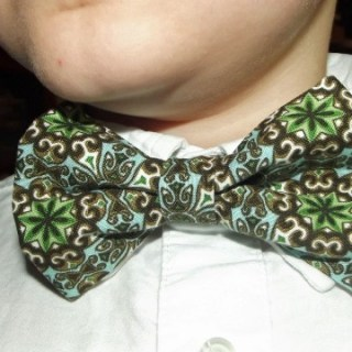Featured: Bow Tie Tutorial