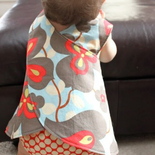 Featured: Little Girls Crossover Pinafore Tutorial