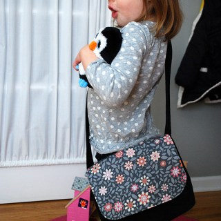 Featured: Kid Sized Messenger Bag Tutorial