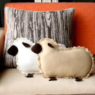 Little Lamb Pillow Tutorial