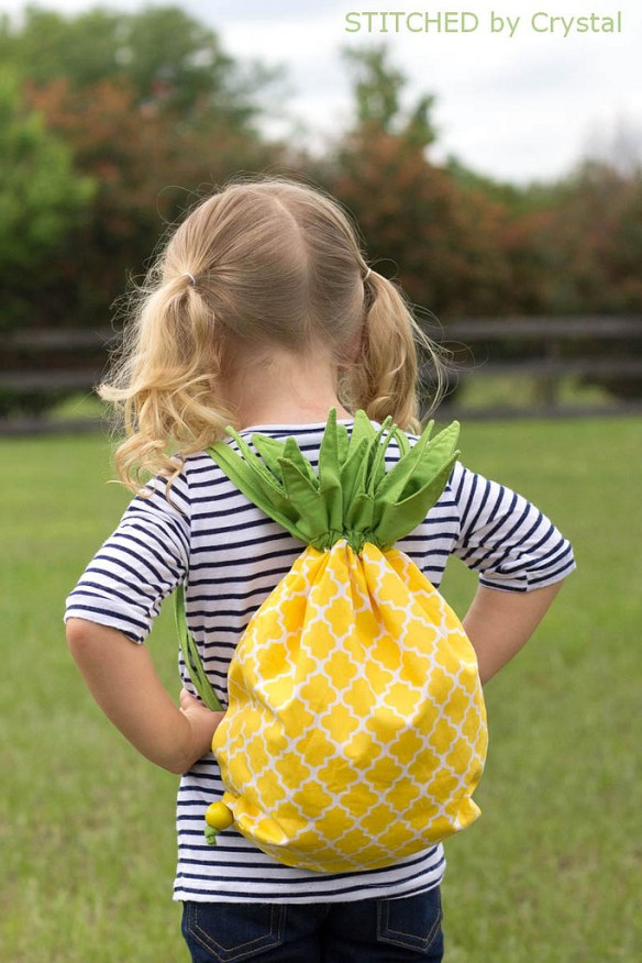 """What's not to love about the Pineapple Drawstring Back by Stitched by Crystal? She shares her """"how to's"""" on the Make It Love It Blog. -Sewtorial"""