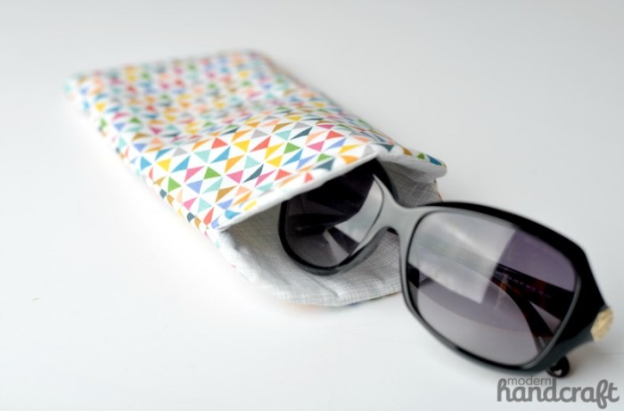 Looking for ways to whittle down your fabric stash? Try this curved sunglasses case by Nicole Daksiewicz for The Sewing Rabbit. -Sewtorial