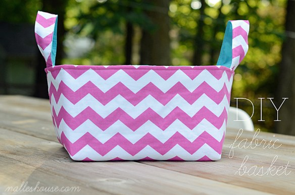 We love this easy DIY fabric basket by Nalle's House. Use it for under cabinet storage or as a carry along bag or toys and other goodies. -Sewtorial