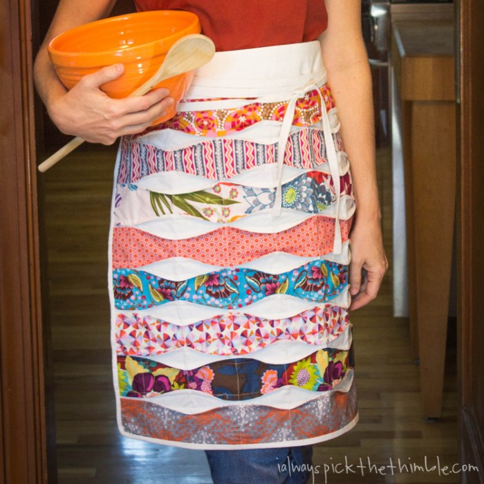 Even if you don't love to cook, you'll LOVE this cafe apron by I Always Pick the Thimble. It's fun, easy to make and a great way to use up those fabric scraps. -Sewtorial