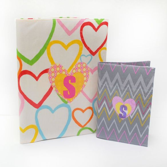 Blitsy offers back-to-school style with these removable vinyl notebook covers. These are easy to make and fun to switch out to match your mood. -Sewtorial
