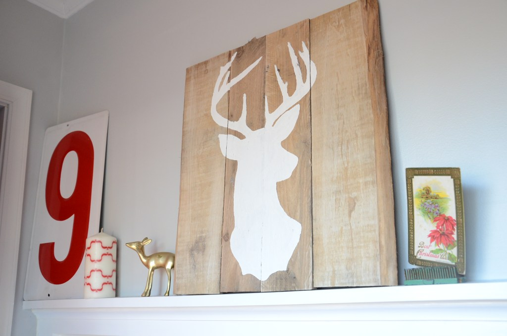 pallet-deer-display