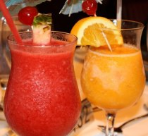 Tropical Drinks 300x275 Avoid Hangovers On Vacation