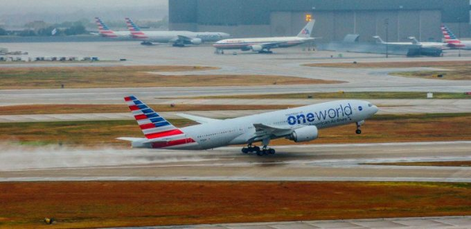 American Airlines 777 takes off at DFW