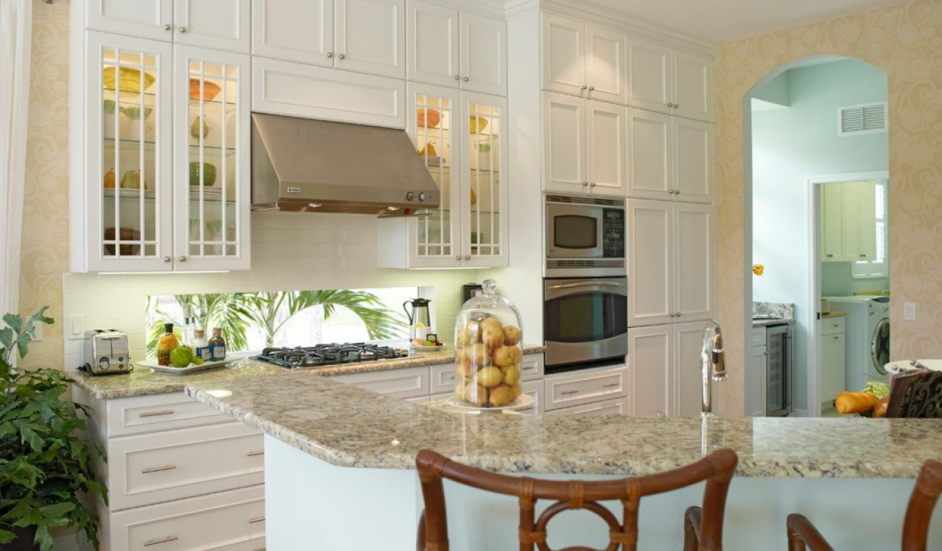 Seemly Lite Offset Mullions Built Pantry Custom Cabinet Portfolio Graber Cabinets Kitchen Bench Seat Built Ins Kitchen Built Ins Designs Transitional Kitchen kitchen Kitchen Built Ins
