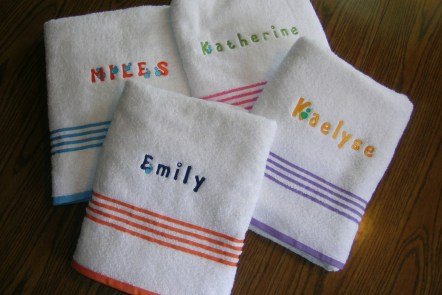 Embroideried wash cloths by www.GraceElizabeths.com