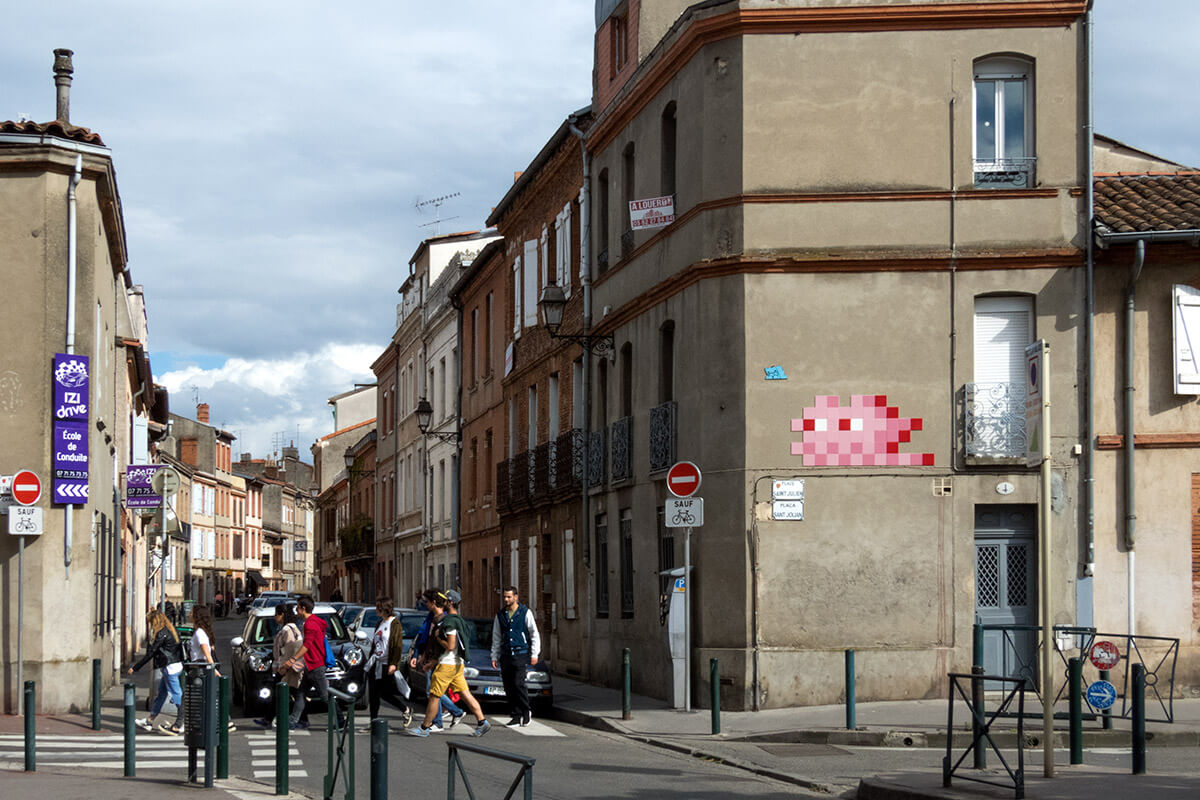 Drive Toulouse Space Invader S Pink Invasion Toulouse France 2016
