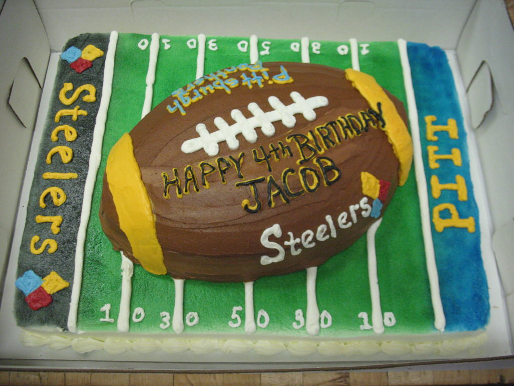 Football Kuchen 3d Football And Field Grandma S Country Oven Bake Shoppe