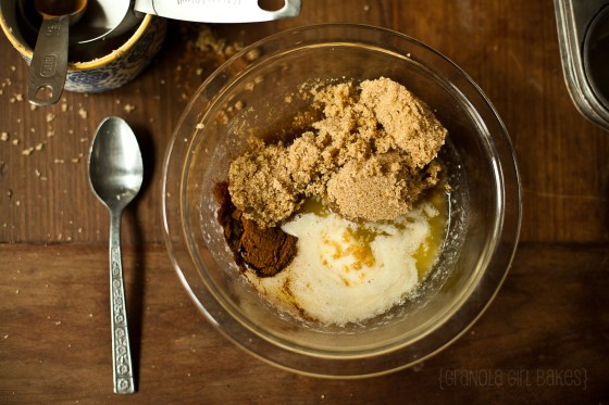 Cinnamon Roll Cupcakes :: Granola Girl bakes