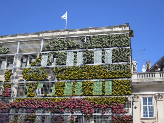 Living wall system CC BY La Citta Vita