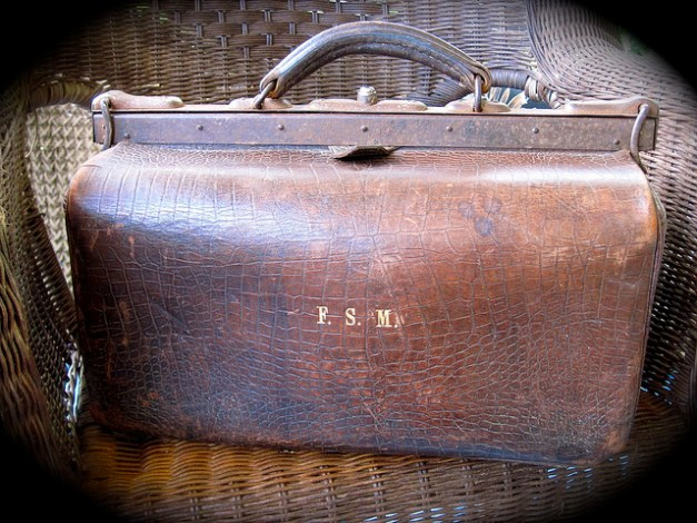 Steampunk Gear: Vintage Ox Leather Gladstone Bag CC BY puuikibeach