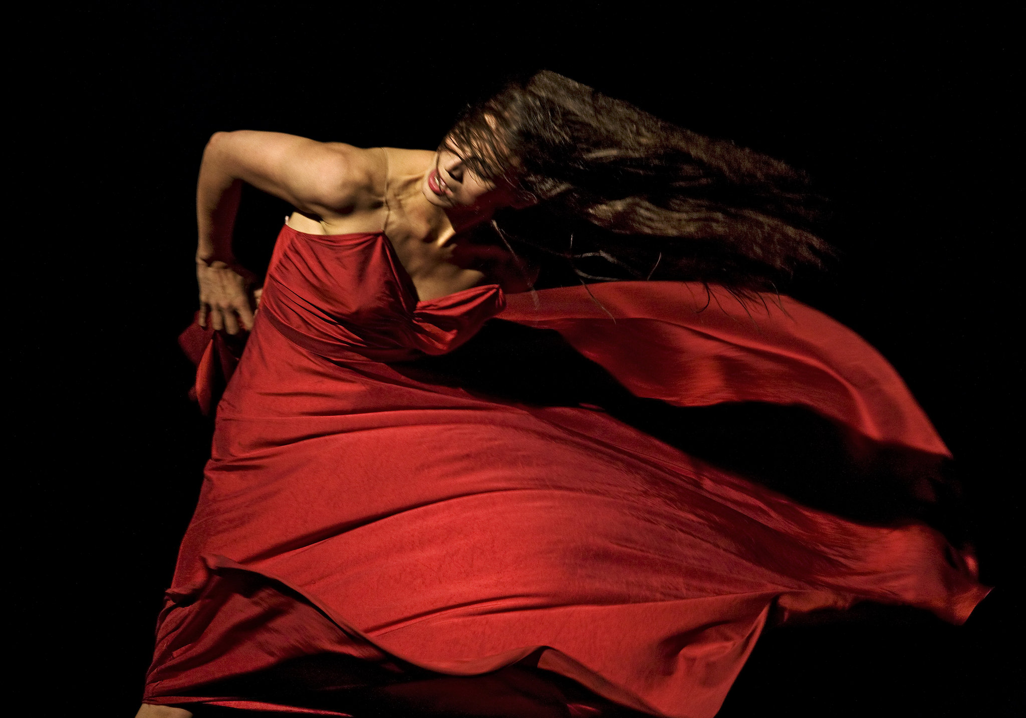 Tomato Wuppertal Pina Bauschs Tanztheater Wuppertal Performs In London