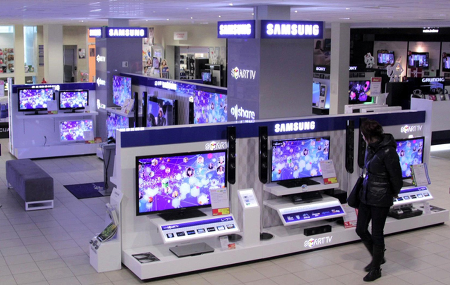 Tv Store Samsung Electronics Visual Display In Store Display Graphis