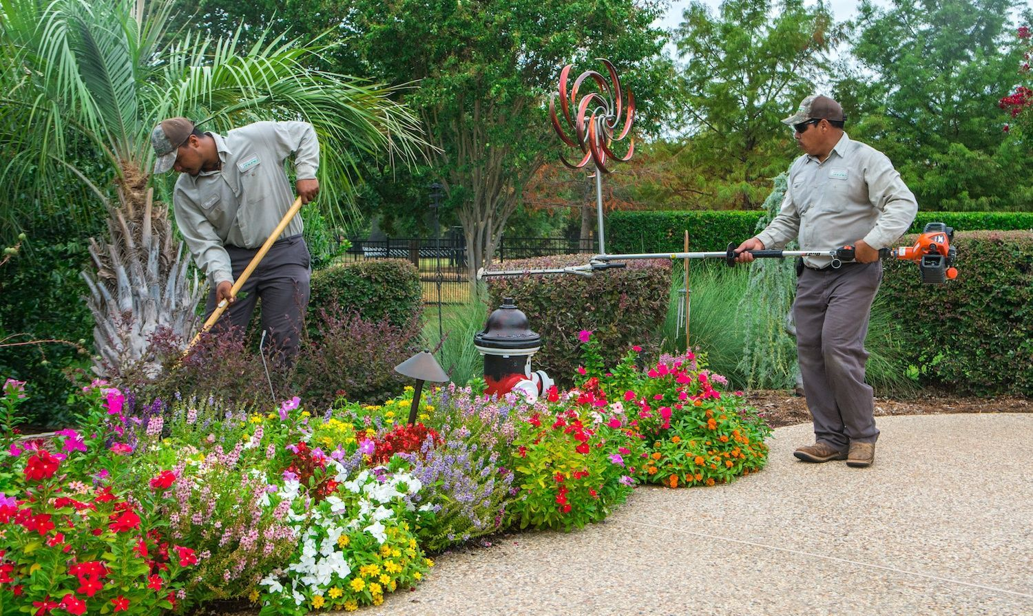 Landscaping Company How To Find The Best Landscaping Company To Work For
