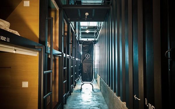 Capsule-Hotel-KLIA2-3