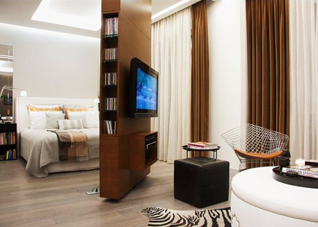 small-spaces-revolving-tv-wall