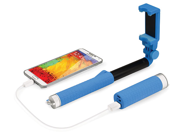 FantaStick BA700 charges your phone