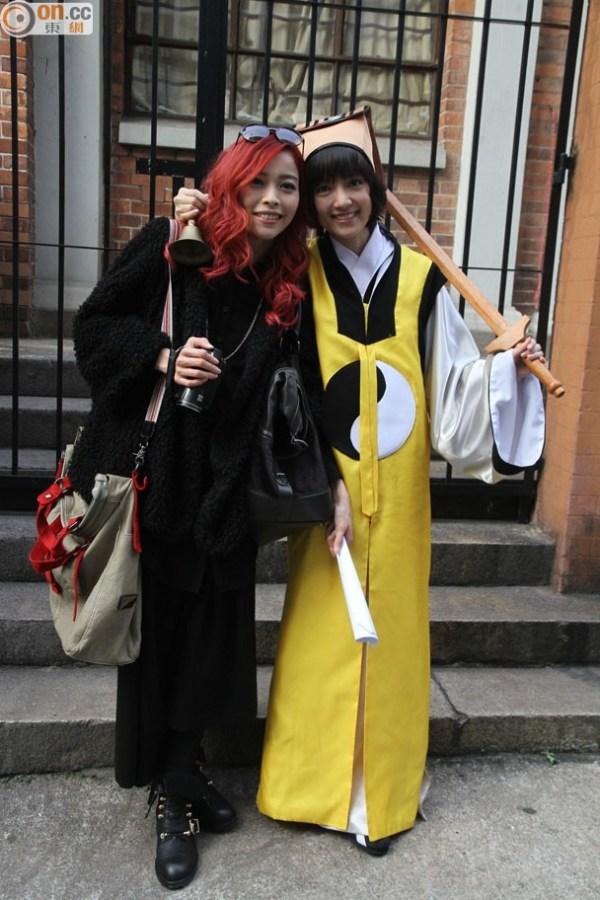 Chan (right) said she did not notice anything abnormal. image source: on.cc